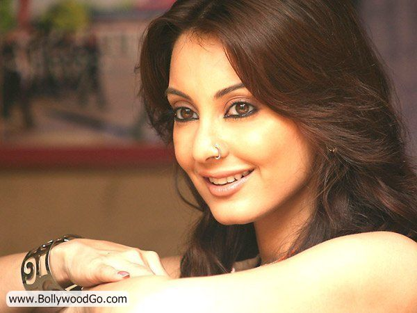Minissha Lamba's 31 Most Sexy Pictures - HOT Actress AcyUnn7g