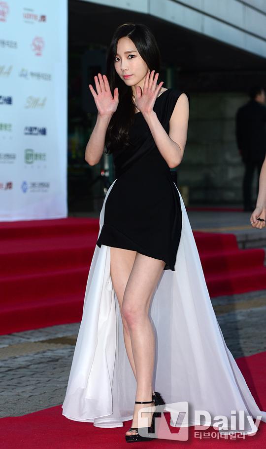 """[150122] Girls' Generation - TTS — Alfombra Roja de """"24° Premios de Música de Seúl"""" OFFX19y7"""
