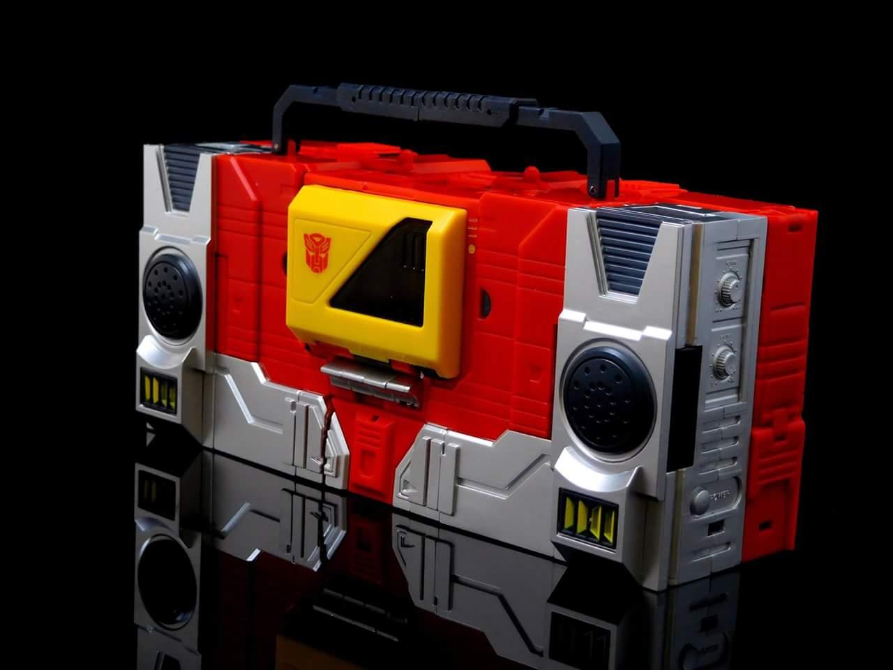 [KFC Toys] Produit Tiers - Jouet Transistor (aka Blaster/Tempo) + DoubleDeck (Twincast) + Fader (aka Eject/Éjecteur) + Rover (aka Autoscout) - Page 2 1gKDgVn4