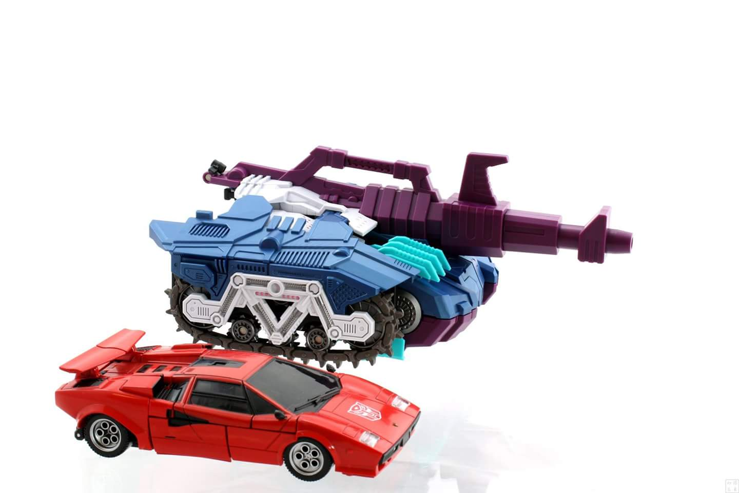 [Mastermind Creations] Produit Tiers - R-17 Carnifex - aka Overlord (TF Masterforce) - Page 3 4L6fanBq