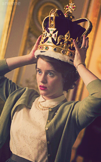 Claire Foy  HEWGQIpo