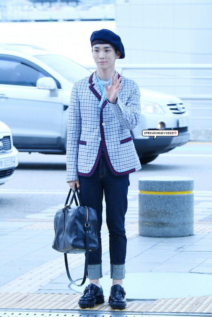 [IMG/160715] Jonghyun, Key @ Aeropuerto Incheon hacia Japón. 37P7WBEK