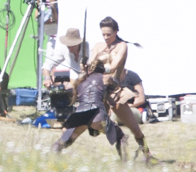 Warrior Movie Fight Scene: New WONDER WOMAN Set Photos Feature A Look At Princess