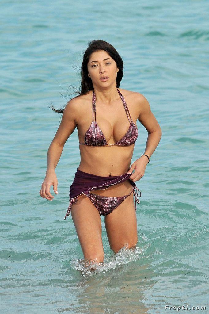 Arianny Celeste in bikini on a beach in Miami Abb73rfr