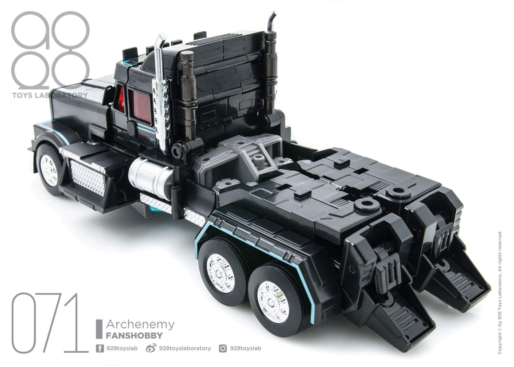 [FansHobby] Produit Tiers - Master Builder MB-01 Archenemy (aka Scourge RID 2000),  MB-04 Gunfighter II (aka Laser Optimus G2) et MB-09 Trailer (remorque) ZHFB3gPA