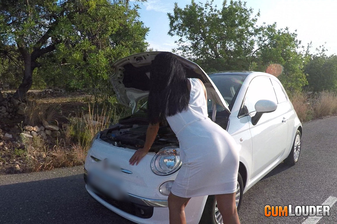 Redbone follada en el coche