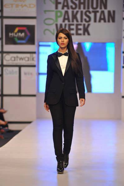 Ayyan - top model of Pakistan - Page 2 AcytgpFo