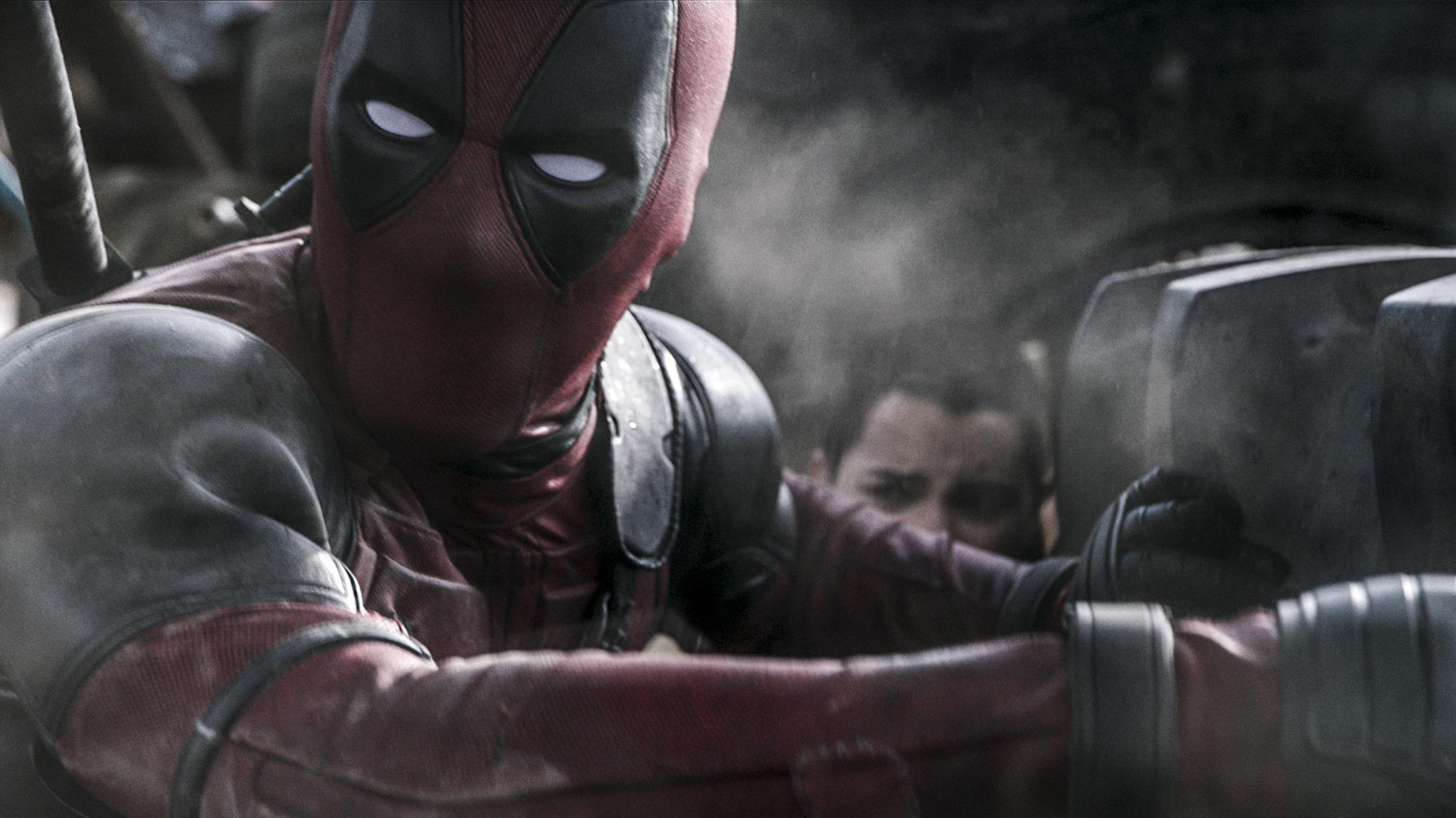DEADPOOL Sequel Expected To Start Filming Early Next Year; Fox Happy With X-MEN: APOCALYPSE Box Office