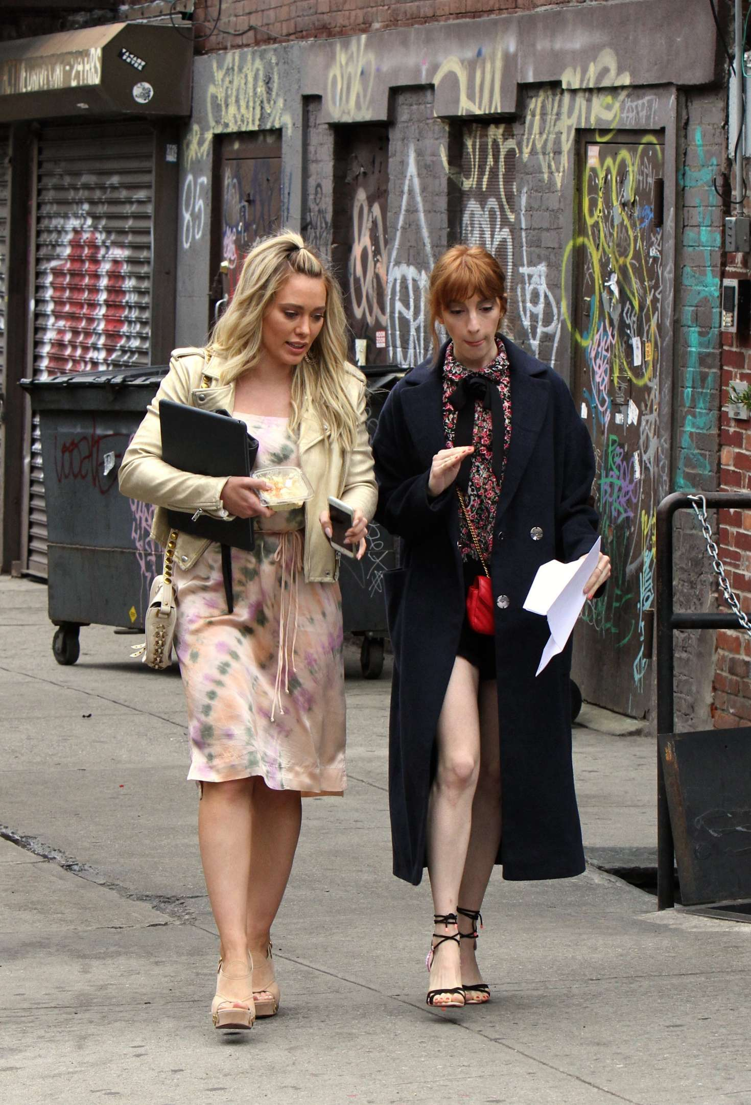 Hilary Duff – Filming 'Younger' set in Brooklyn