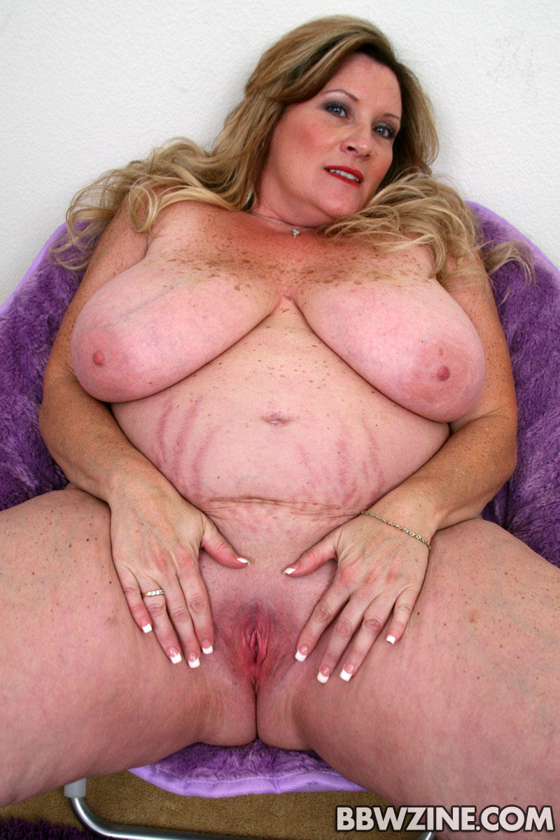 Deedra is a beautiful mature bbw who loves to fuck 9