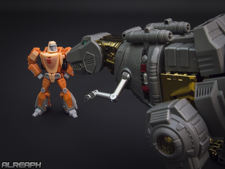 [Fanstoys] Produit Tiers - Dinobots - FT-04 Scoria, FT-05 Soar, FT-06 Sever, FT-07 Stomp, FT-08 Grinder - Page 12 8kgUQvRy