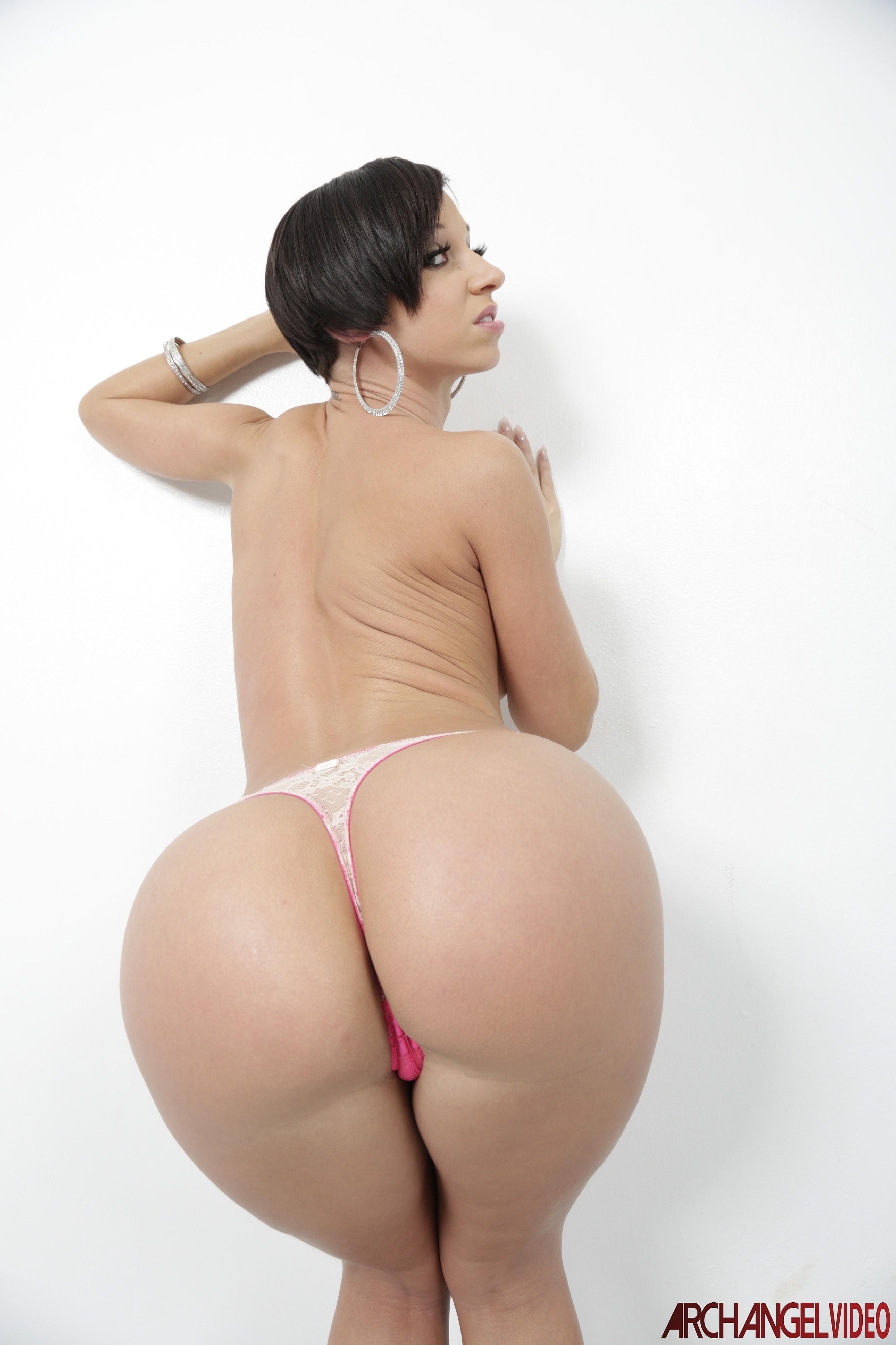 Carita y cola de nena face and ass girl - 2 part 4