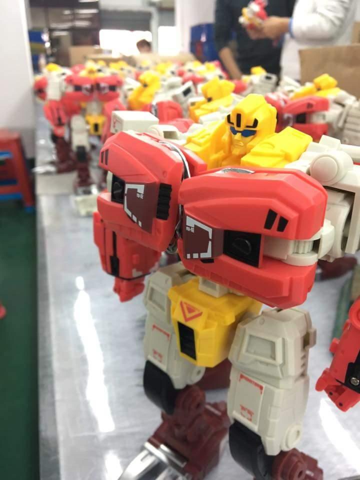 [FansHobby] Produit Tiers - Master Builder MB-02/03/05 - aka Monsterbots/Monstrebots Pdu7Kfn3
