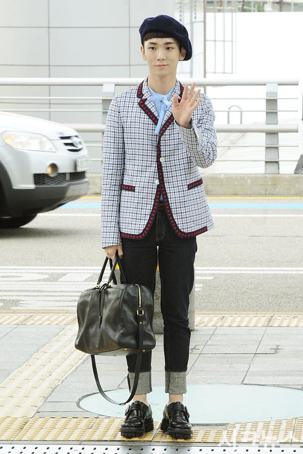 [IMG/160715] Jonghyun, Key @ Aeropuerto Incheon hacia Japón. AEqapB67