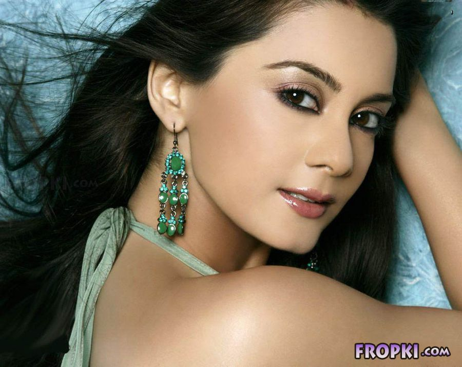 Best Ever Seen Images Of Minissha Lamba - Page 2 AddviZrv
