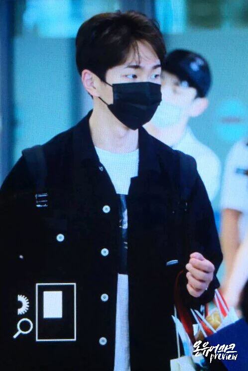 [IMG/160718] Onew, Jonghyun, Key, Minho @Aeropuerto de Kansai e Incheon (Jap-Cor) HQRL8Kj5