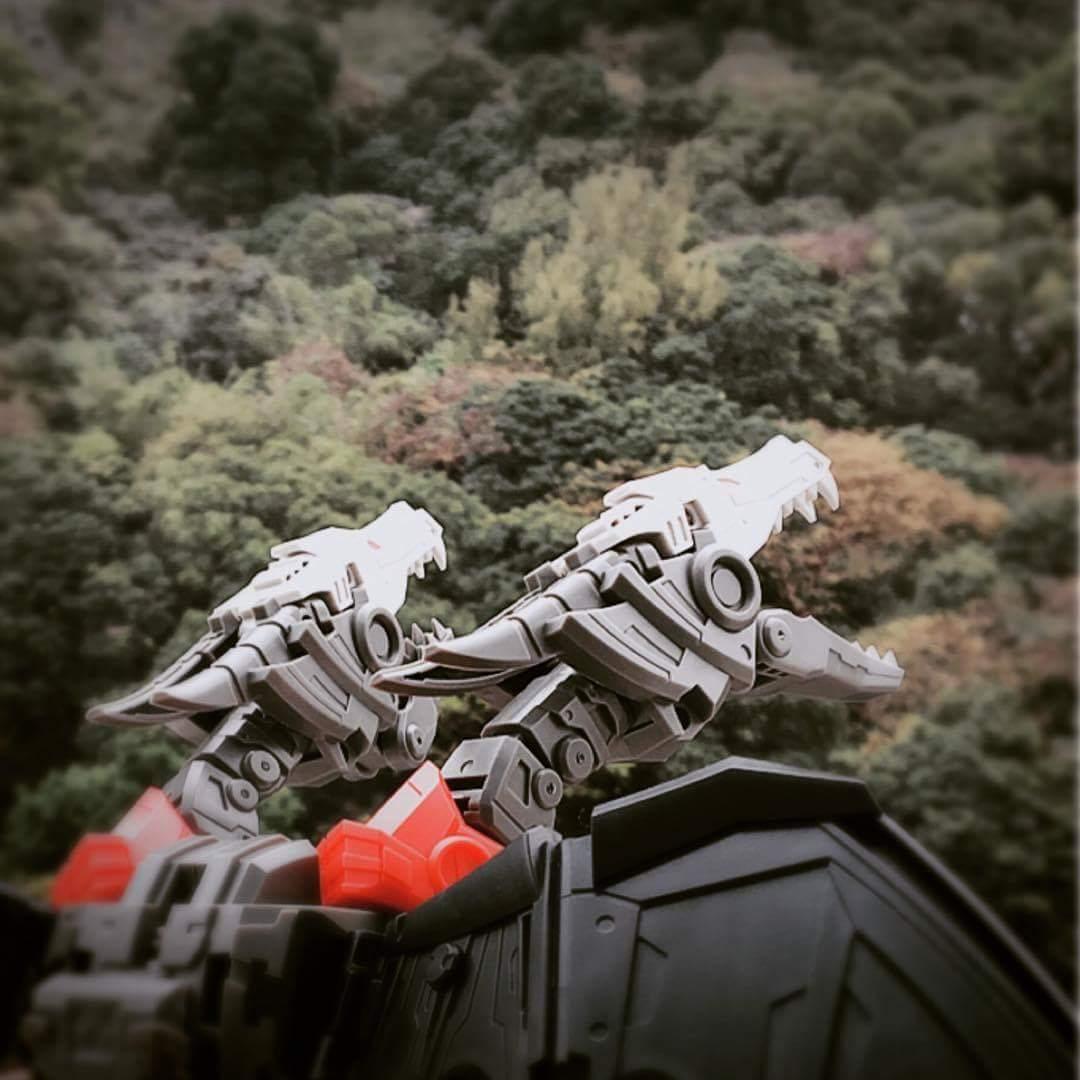 [FansHobby] Produit Tiers - Master Builder MB-02/03/05 - aka Monsterbots/Monstrebots JkT5dOVM