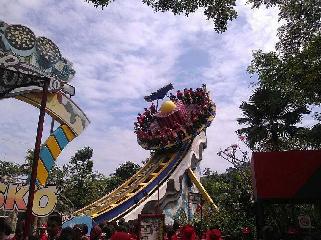Wisata Bogor: JungleLand Adventure Theme Park Sentul City