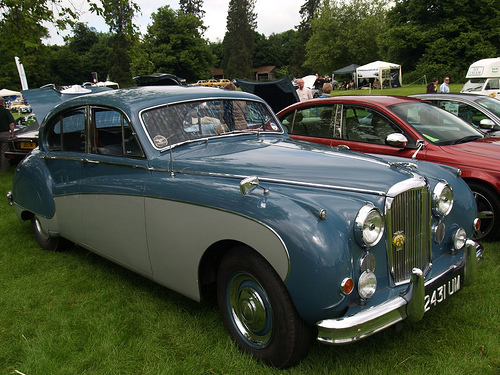 Classic Cars: Chasing classic cars here comes the judge