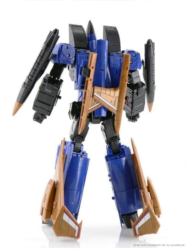 [ToyWorld] Produit Tiers - TW-M02A Combustor (Ramjet/Statoréacto), TW-M02B Assault (Thrust/Fatalo), TW-M02C Requiem (Dirge/Funébro) - Page 2 CoJ2eVgq