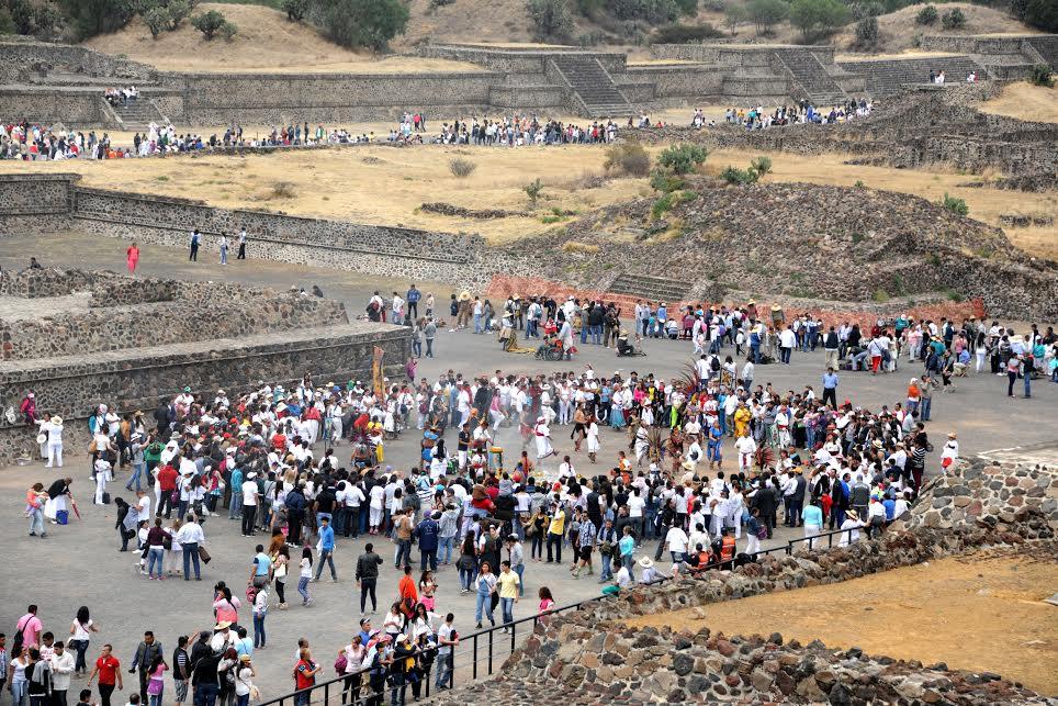 El INAH reporta más de 412 mil visitantes a zonas arqueol&oacute