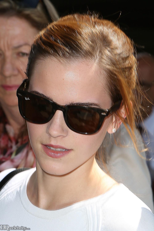Emma Watson Shows Off Her Body But Stays Classy AcbygrcU