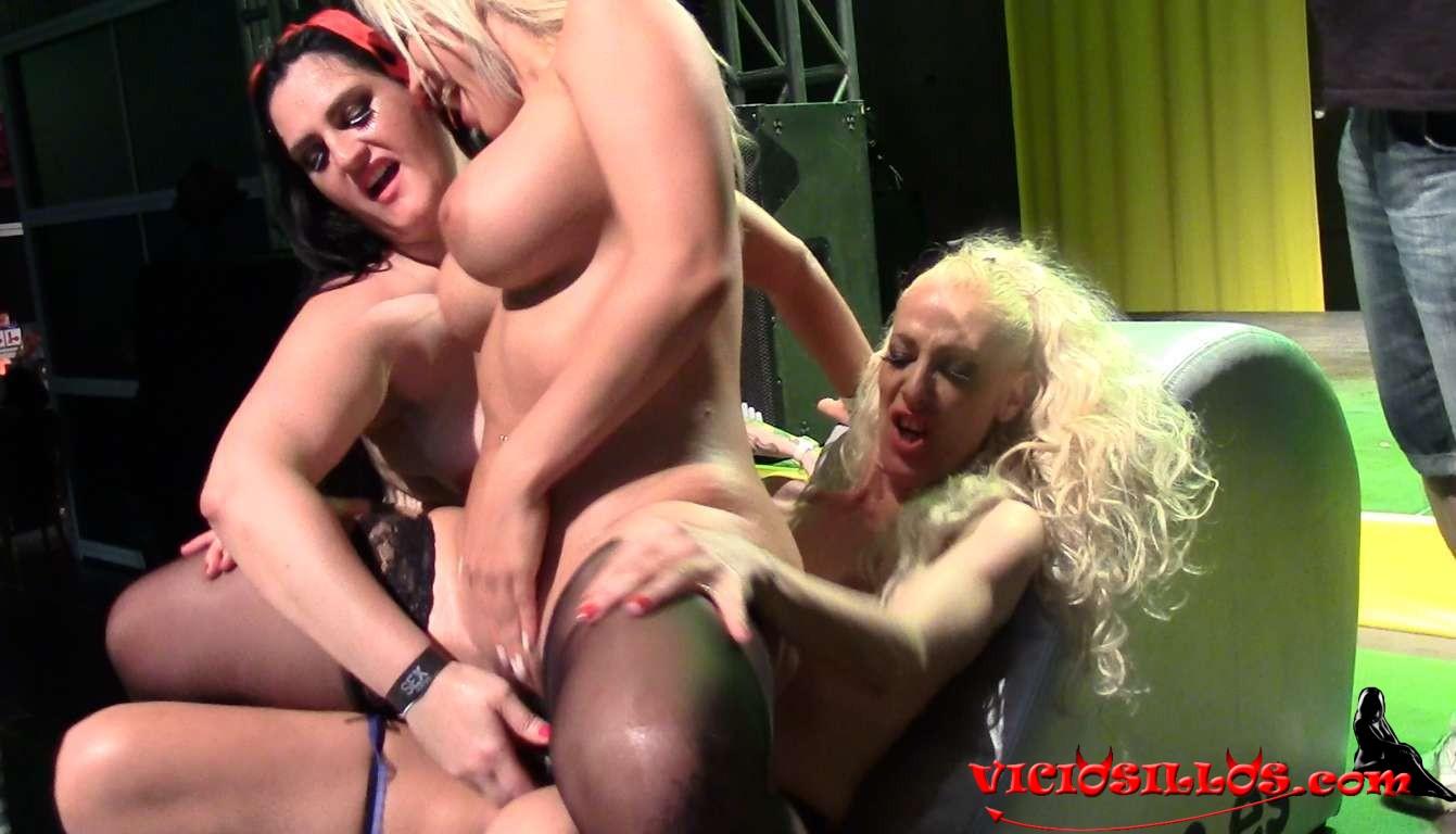 A esta puta francesa le gusta que la torturen - 3 part 8