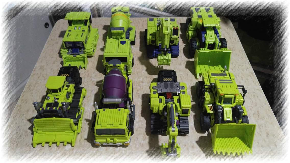[Toyworld] Produit Tiers - Jouet TW-C Constructor aka Devastator/Dévastateur (Version vert G1 et jaune G2) - Page 5 WL45tFGe