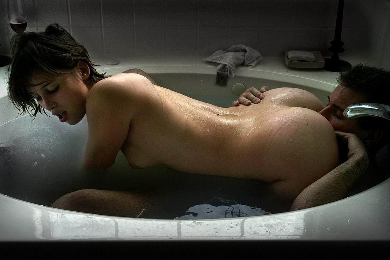 Секс ласки в ванне 6 фотография