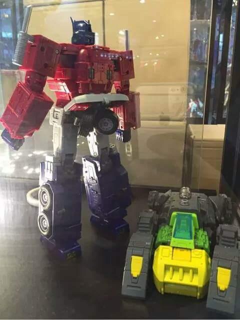 [ToyWorld][Zeta Toys] Produit Tiers - TW-M01 Primorion/Zeta-EX6O OriPrime et Zeta -EX6E EvaPrime - aka Optimus (G1 et Evangelion) REZREsbx