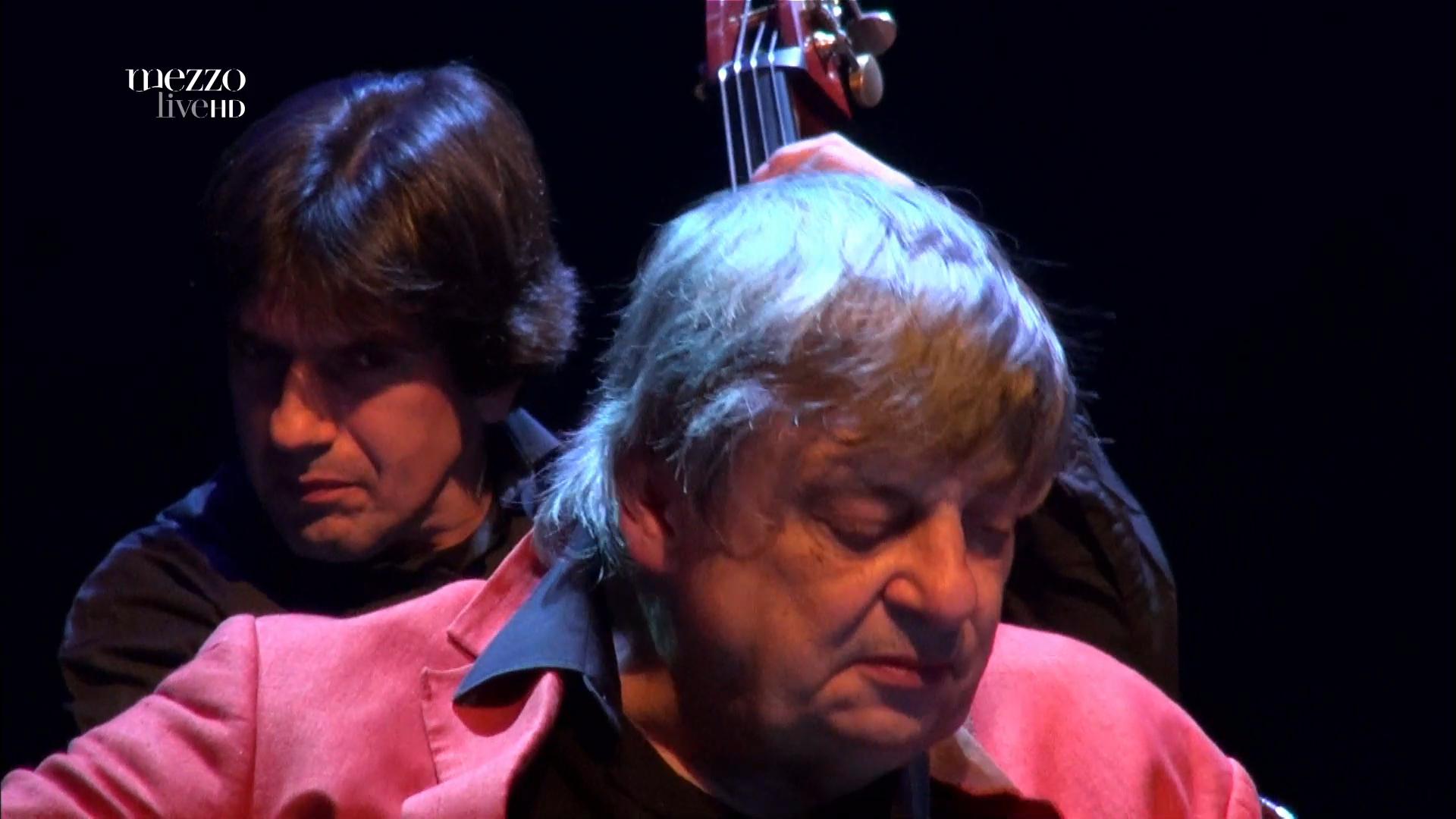 2012 Philip Catherine - 70th Birthday Tour - Skoda Jazz Festival [HDTV 1080i] 5