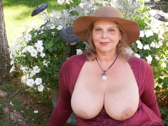 A primer chubby blonde saggy tits corset black dildo fuck - 4 10