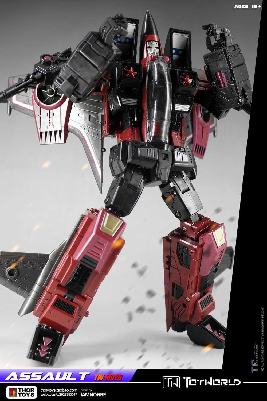 [ToyWorld] Produit Tiers - TW-M02A Combustor (Ramjet/Statoréacto), TW-M02B Assault (Thrust/Fatalo), TW-M02C Requiem (Dirge/Funébro) - Page 3 N9ceyhaL