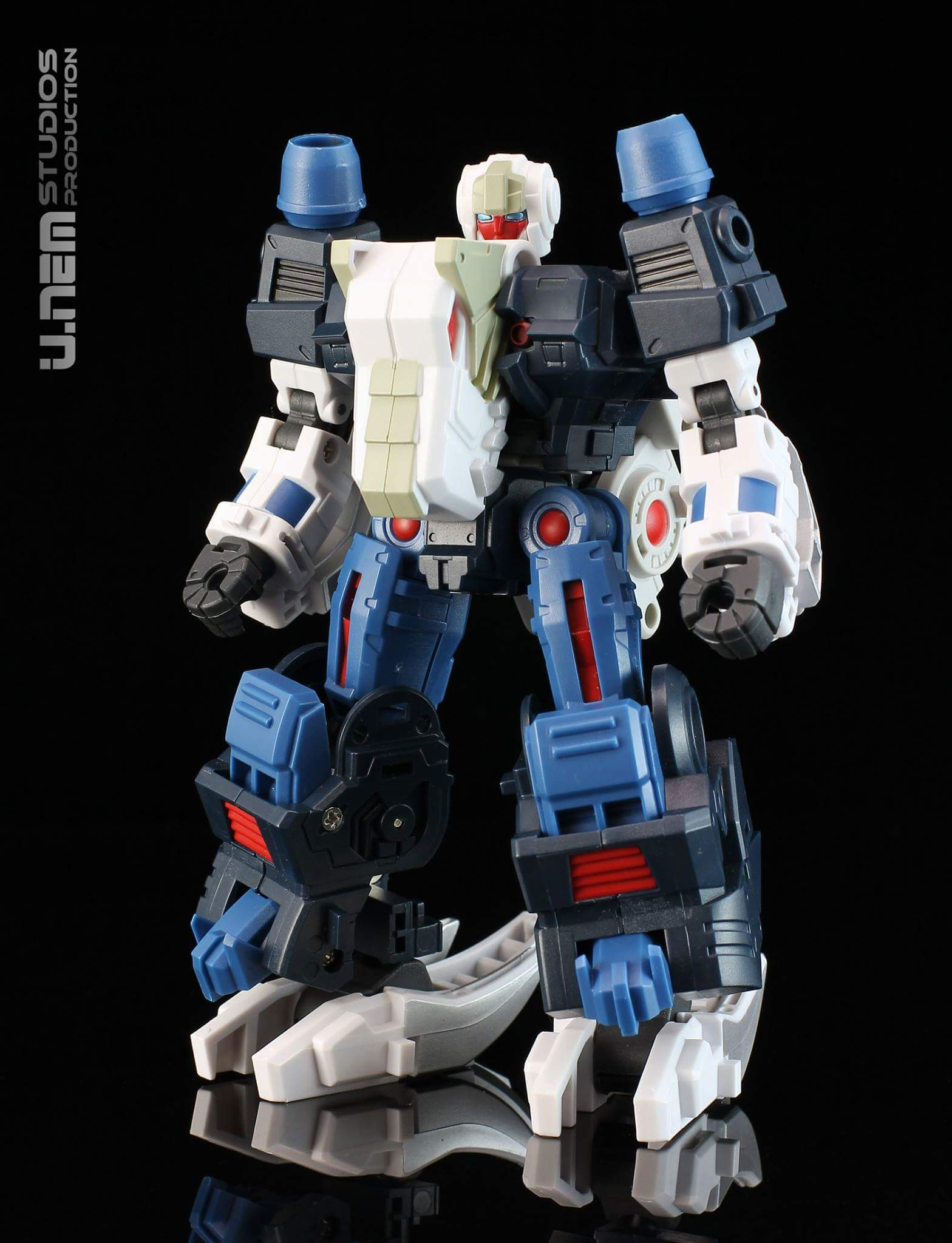 [FansProject] Produit Tiers - Jouet Saurus Ryu-oh aka Dinoking (Victory) | Monstructor (USA) - Page 3 KcknsZS5