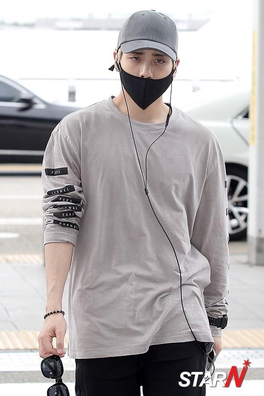 [IMG/160715] Jonghyun, Key @ Aeropuerto Incheon hacia Japón. H1ARMz5W