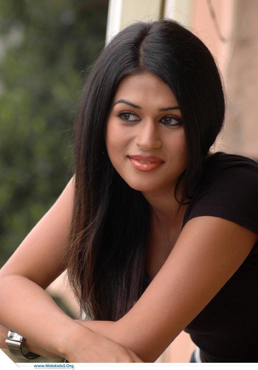 Shraddha Das Pics AdjW74Yk