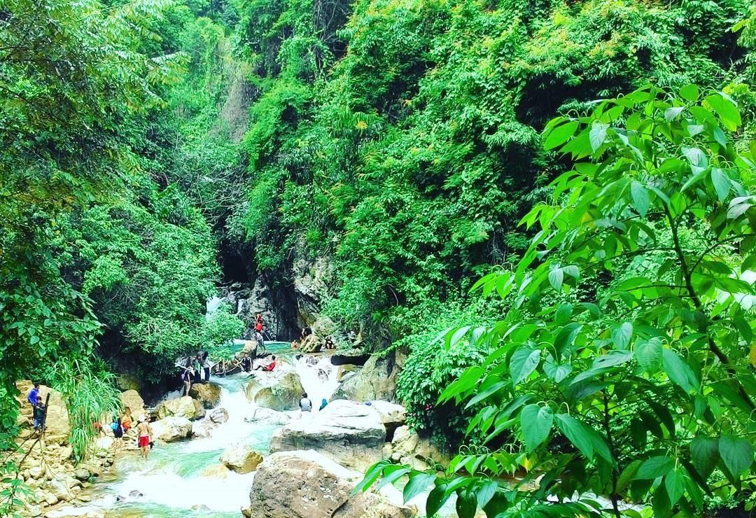 Wisata Bogor: Pesona Birunya Air Curug Leuwi Hejo Sentul
