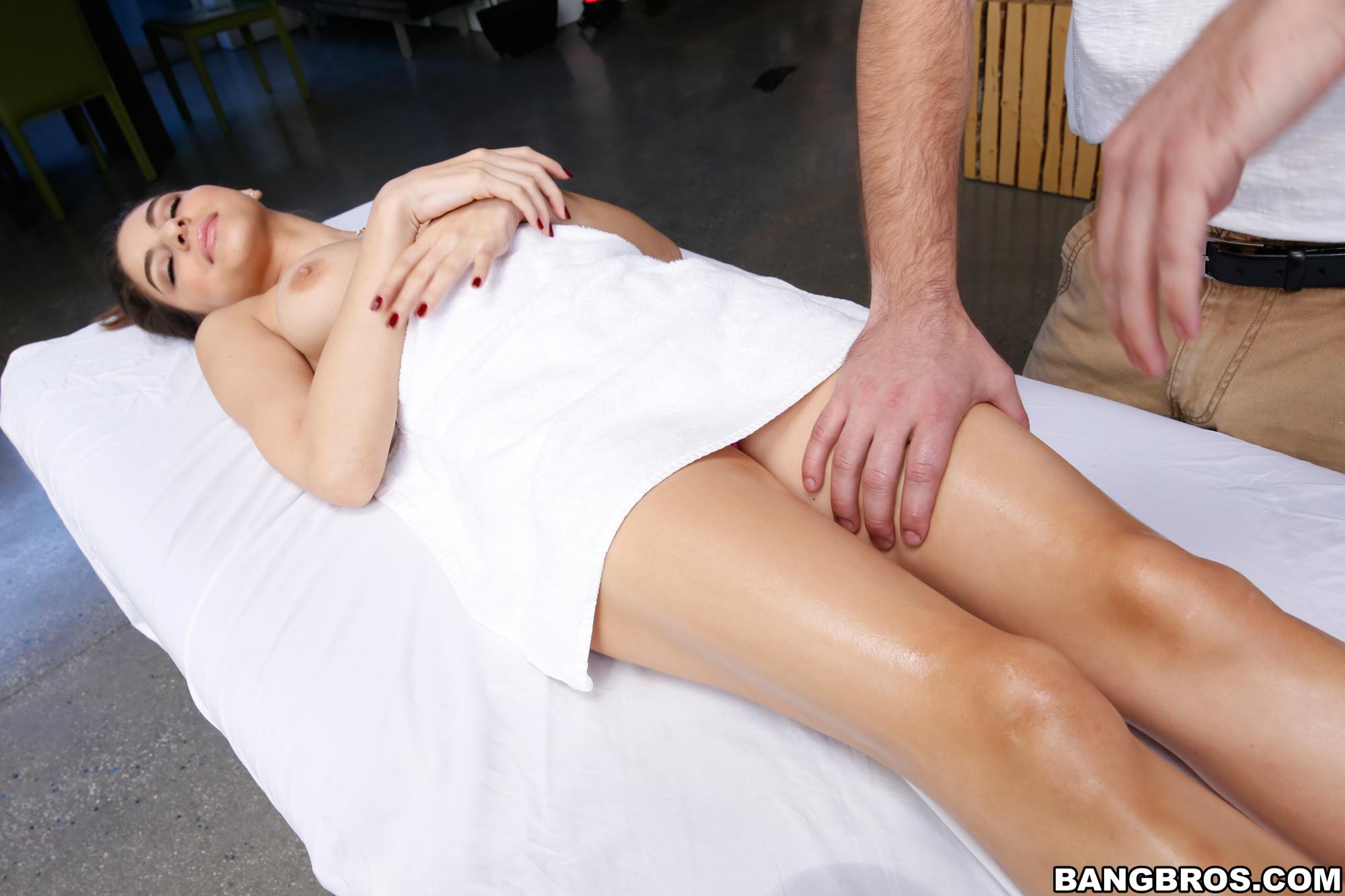 caliente masajes tetona