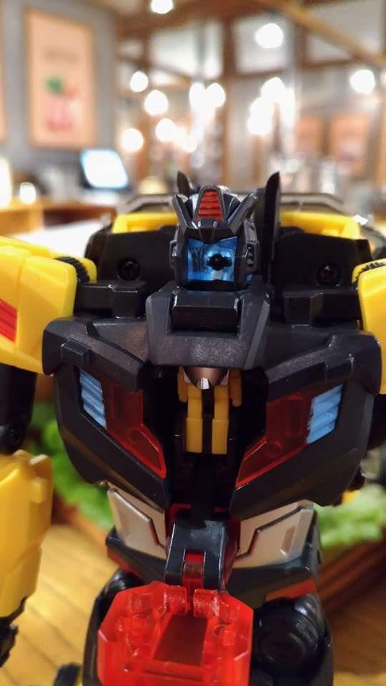 [TFC Toys] Produit Tiers - Jouet Trinity Force aka Road Caesar (Transformers Victory) - Page 2 TNlxum60
