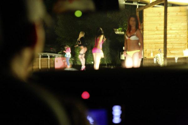prostitutas callejeras en sevilla prostitutas en la playa