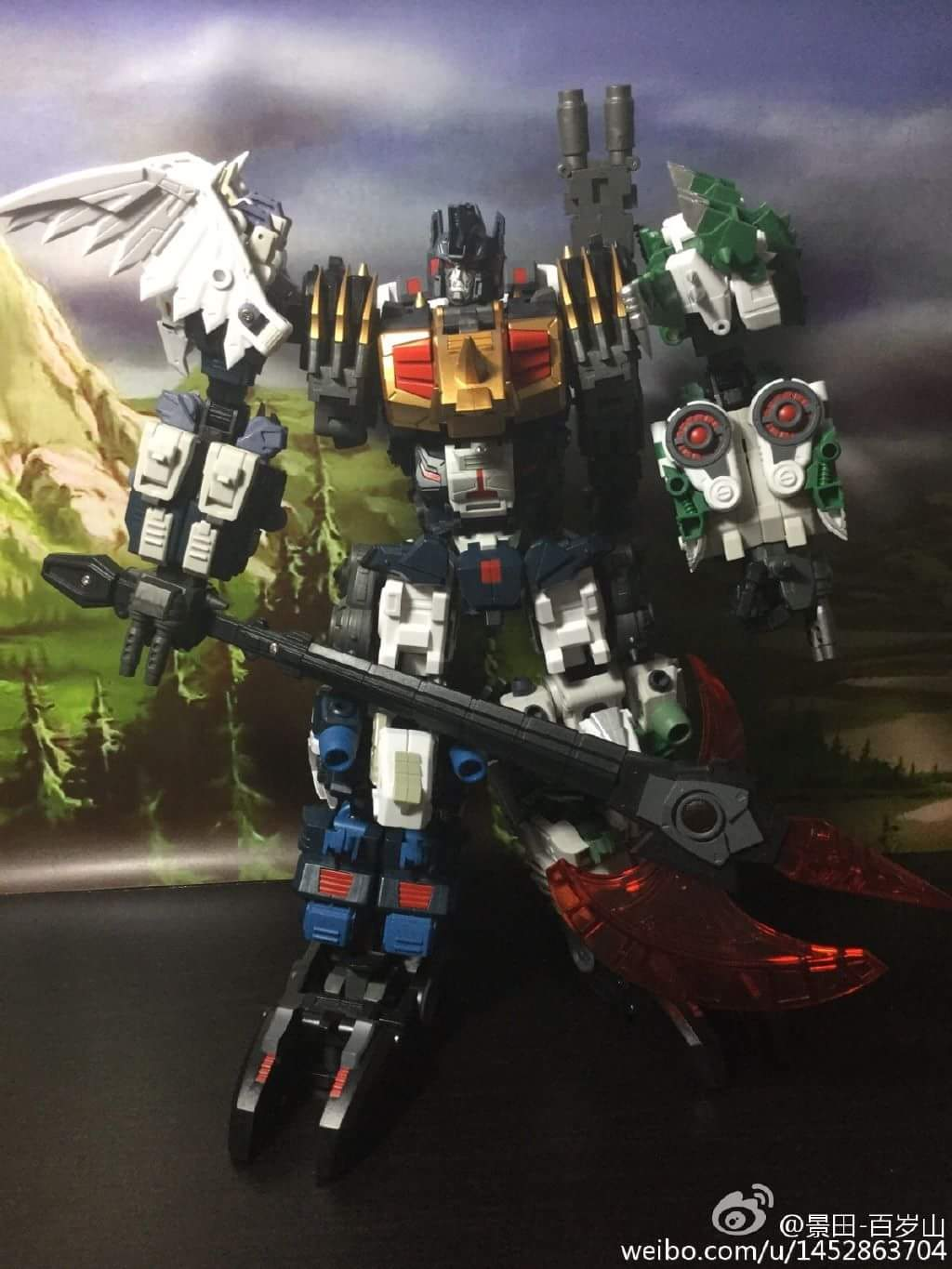 [FansProject] Produit Tiers - Jouet Saurus Ryu-oh aka Dinoking (Victory) | Monstructor (USA) - Page 2 AFqKIEDE