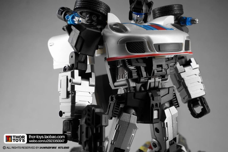 [Generation Toy] Produit Tiers - Jouets TF de la Gamme GT - des BD TF d'IDW - Page 2 T6DqjAdq