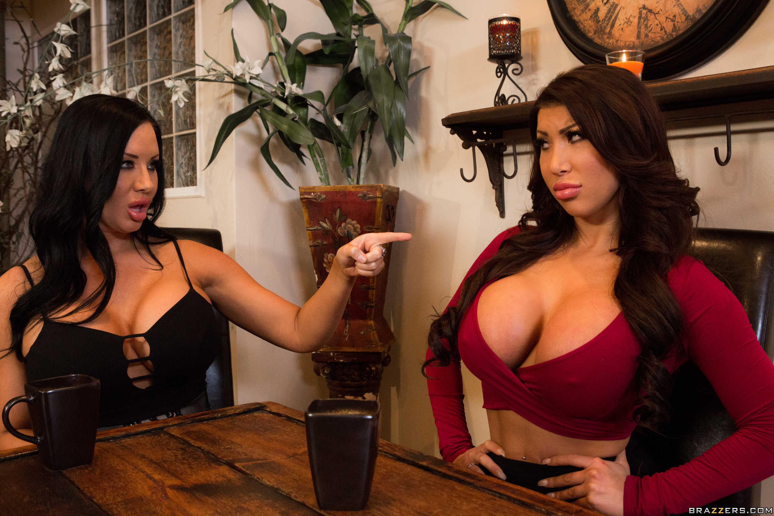 Charlyse bella and erica fontes threesome sex 10