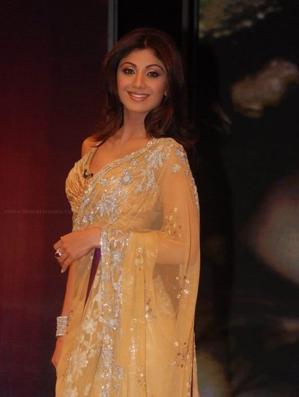 Shilpa Shetty's Sexy Curves in Transparent saree AcbrqOCn