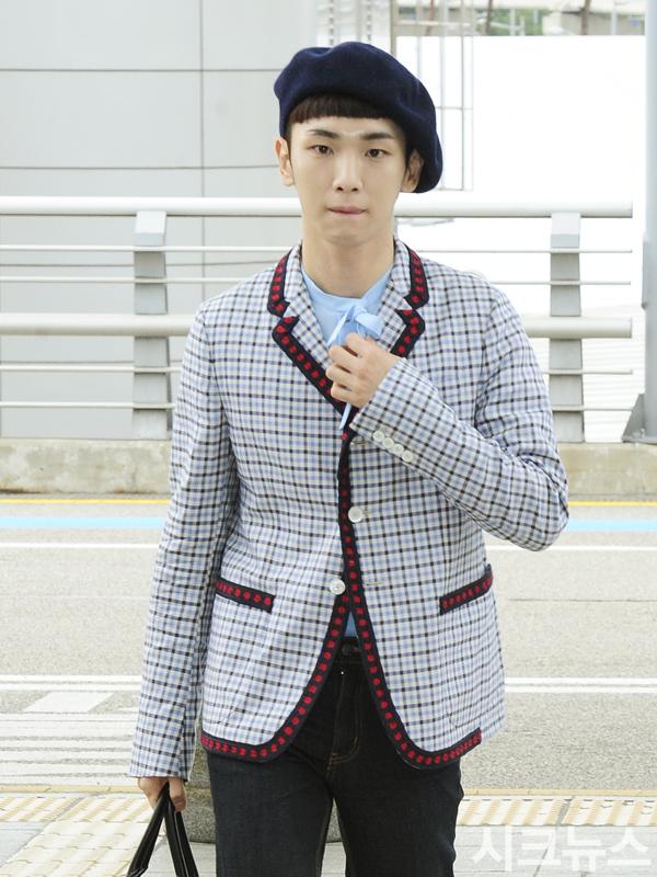 [IMG/160715] Jonghyun, Key @ Aeropuerto Incheon hacia Japón. RJtNUR9e