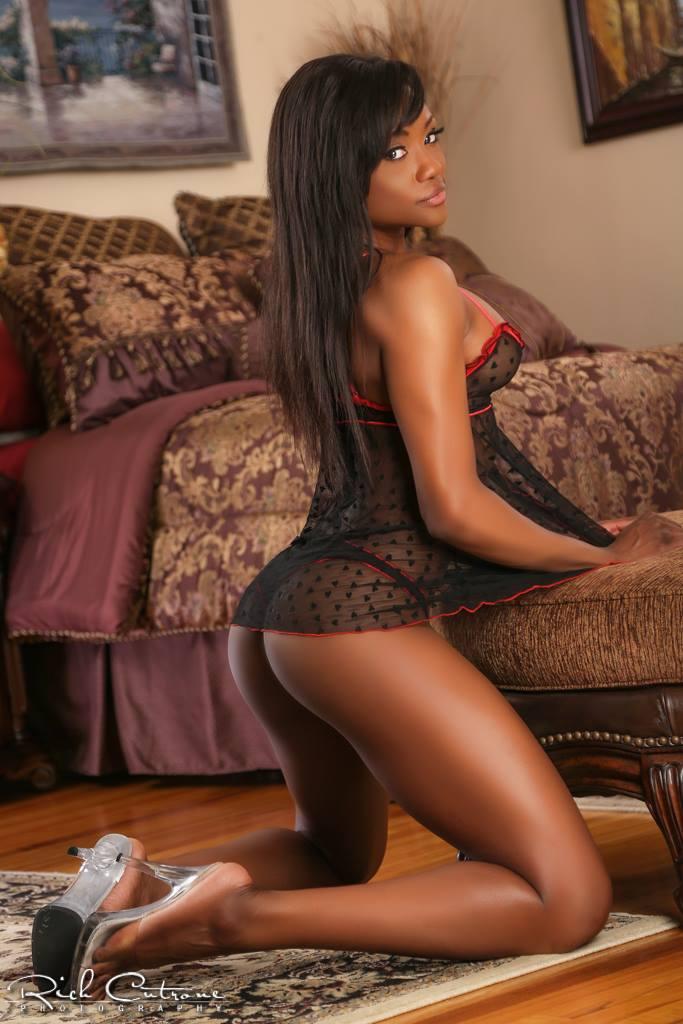 wrestling nude Hot girls black