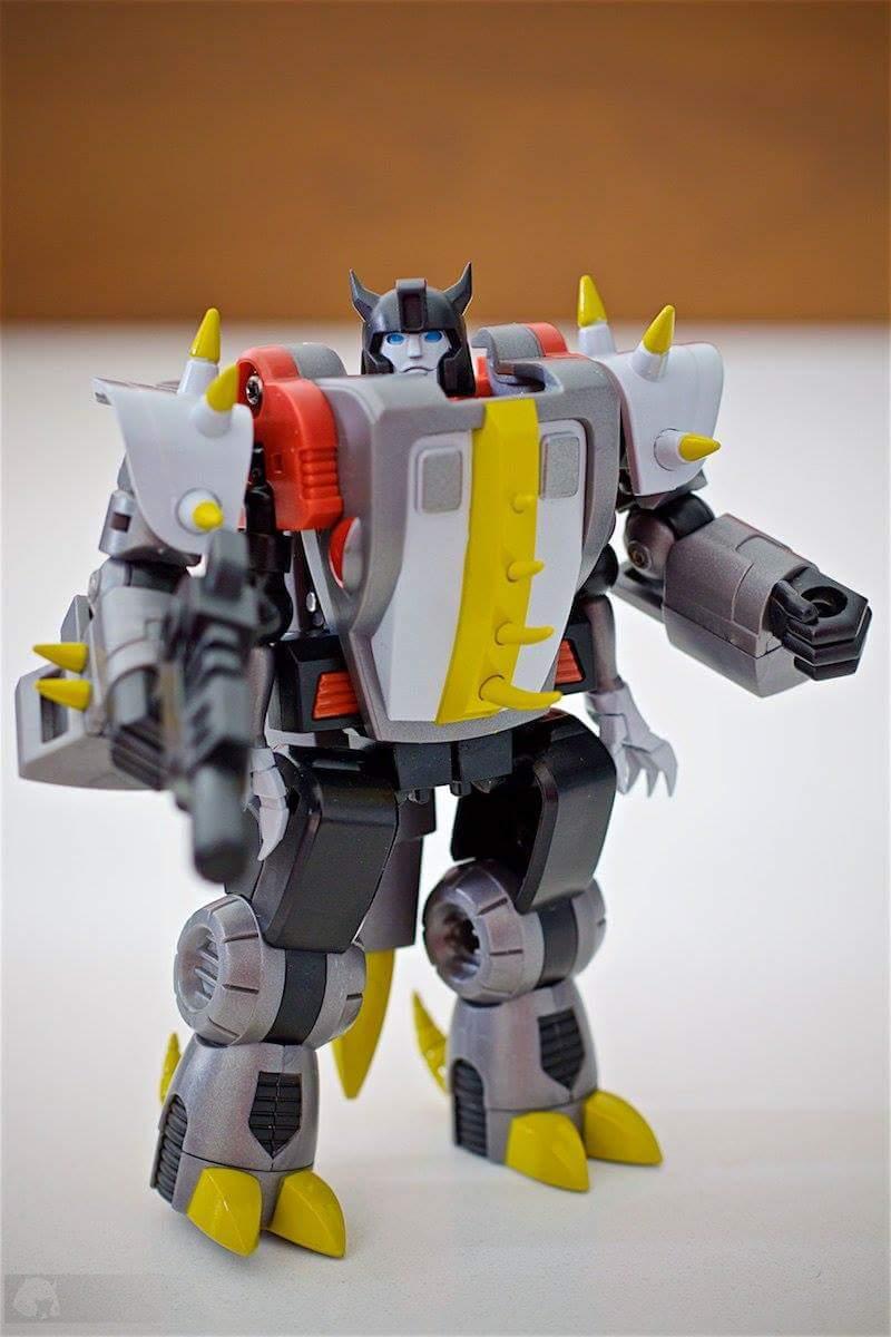 Produit Tiers: [Corbot V] CV-002 Mugger - aka Allicon | [Unique Toys] G-02 Sharky - aka Sharkticon/Requanicon AbfvCANN
