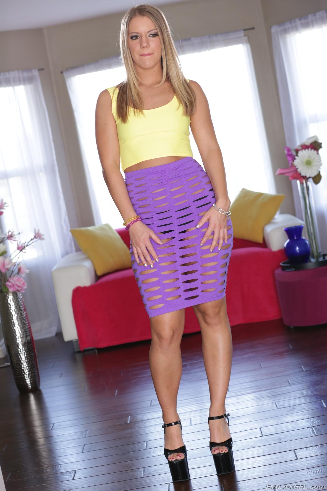 Candice Dare - El arte de mostrar la conchita