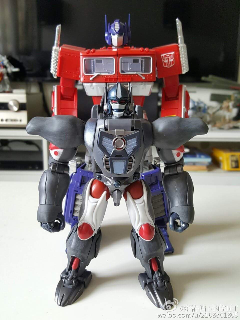 [Masterpiece] MP-32, MP-38 Optimus Primal et MP-38+ Burning Convoy (Beast Wars) - Page 3 YpWKepaA