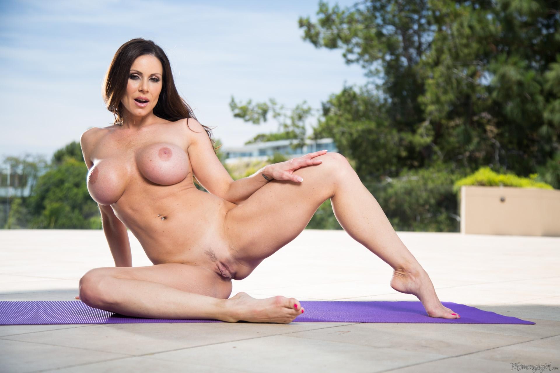 Фото ласт голая порно кендра